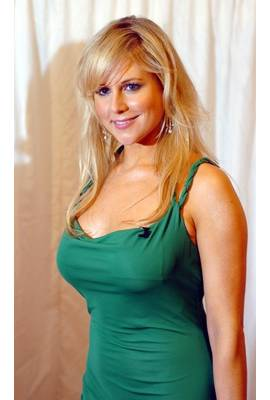Abi Titmuss Profile Photo