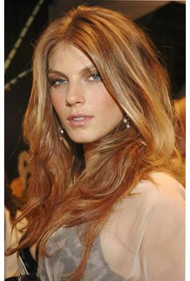 Angela Lindvall Profile Photo