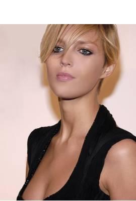 Anja Rubik Profile Photo