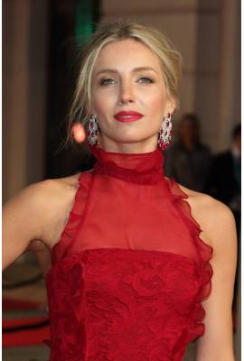 Annabelle Wallis Profile Photo