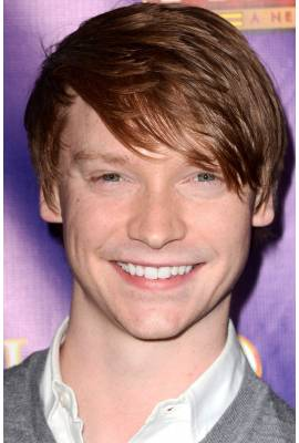 Calum Worthy Profile Photo