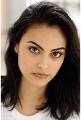 Camila Mendes Profile Photo