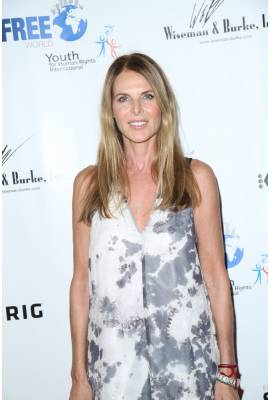 Catherine Oxenberg Profile Photo