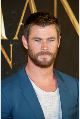 Chris Hemsworth Profile Photo