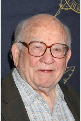 Ed Asner Profile Photo