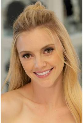 Elle Evans Profile Photo