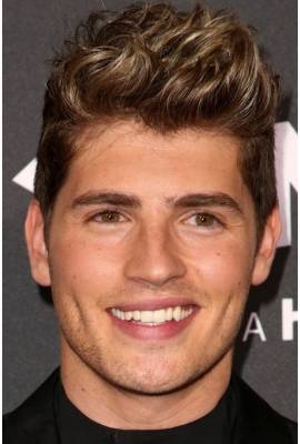 Gregg Sulkin Profile Photo