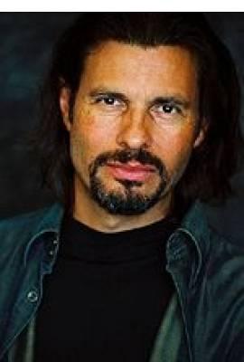 Hank Cheyne Profile Photo