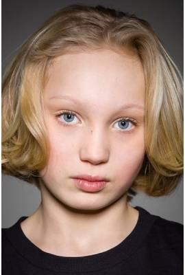 Helena Zengel Profile Photo