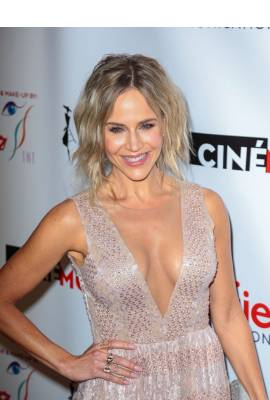 Julie Benz Profile Photo