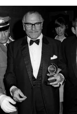 Laurence Olivier Profile Photo
