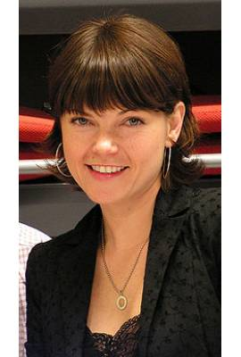 Nicole de Boer Profile Photo