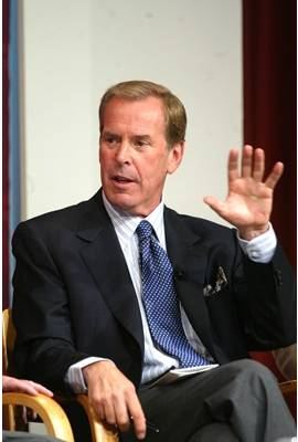 Peter Jennings Profile Photo