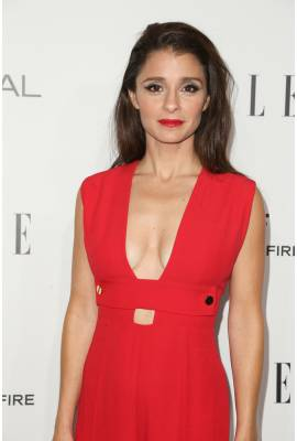 Shiri Appleby Profile Photo