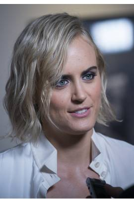 Taylor Schilling Profile Photo
