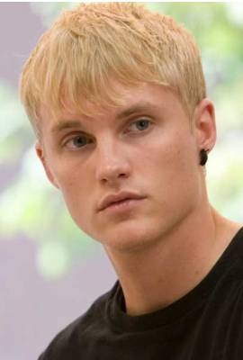Toby Hemingway Profile Photo