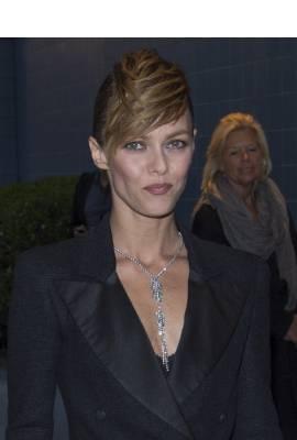 Vanessa Paradis Profile Photo