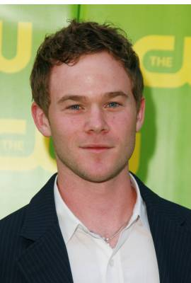 Aaron Ashmore Profile Photo