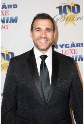 Adrian Paul Profile Photo