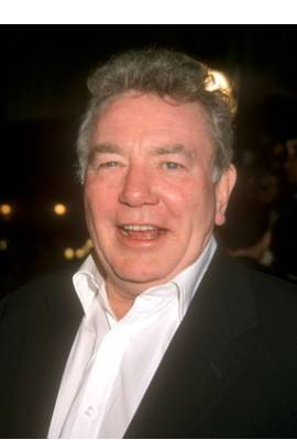 Albert Finney Profile Photo