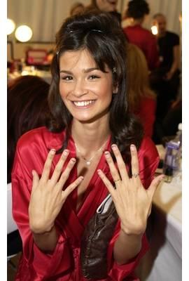 Caroline Ribeiro Profile Photo