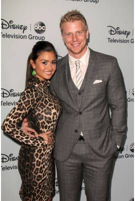 Catherine Lowe Profile Photo