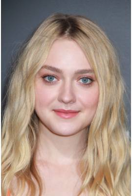 Dakota Fanning Profile Photo