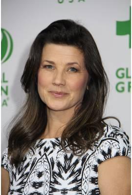 Daphne Zuniga Profile Photo