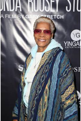 Dionne Warwick Profile Photo