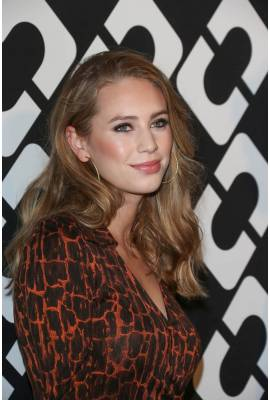 Dylan Penn Profile Photo