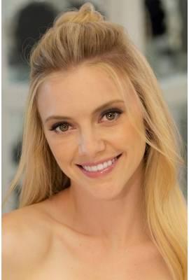 Elle Evans Profile Photo