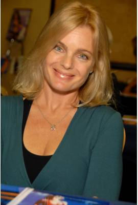 Erika Eleniak Profile Photo