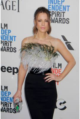 kate beckinsale dating history Kate beckinsale: weinstein didn't remember if he assaulted me email copy filed under celebrity dating , kate beckinsale 'days of our lives' is having the most fun with its own insane history, and it's a joy to behold.