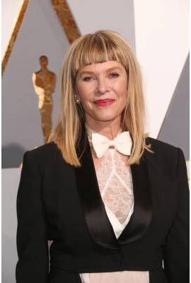 capshaw dating site Kate capshaw in 2018: still married to her husband steven spielberg how rich is she does kate capshaw have tattoos does she smoke.