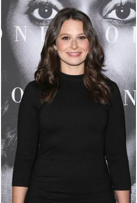 Katie Lowes Profile Photo