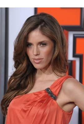Kayla Ewell Profile Photo