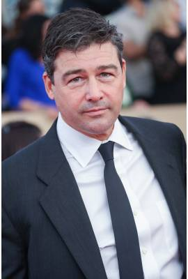 Kyle Chandler Profile Photo