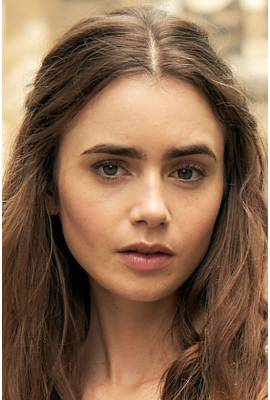 Lily Collins Profile Photo