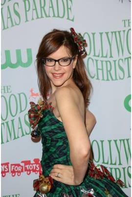 Lisa Loeb Profile Photo