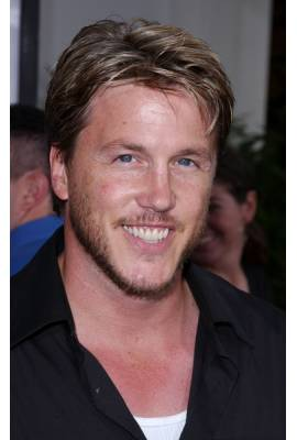 Lochlyn Munro Profile Photo