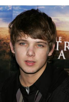 Max Thieriot Profile Photo