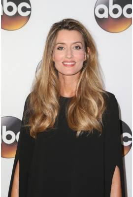 Natascha McElhone Profile Photo