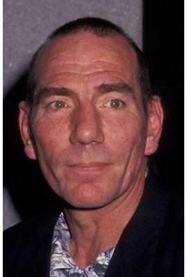 Pete Postlethwaite Profile Photo