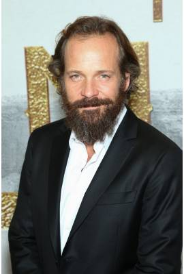 Peter Sarsgaard Profile Photo