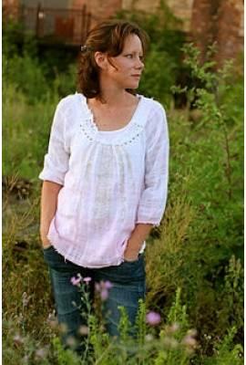 Sara Groves