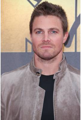 Stephen Amell Profile Photo