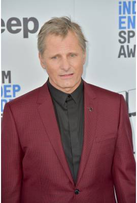 Viggo Mortensen Profile Photo