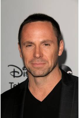 William deVry  Profile Photo