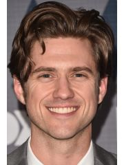 Aaron Tveit Profile Photo