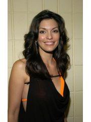 Alana De La Garza Profile Photo